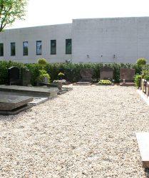 monumenten tuin grafstenen